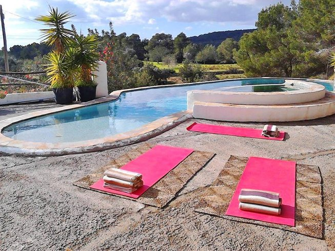 4 Days Massage and One-One Yoga Retreat in Ibiza