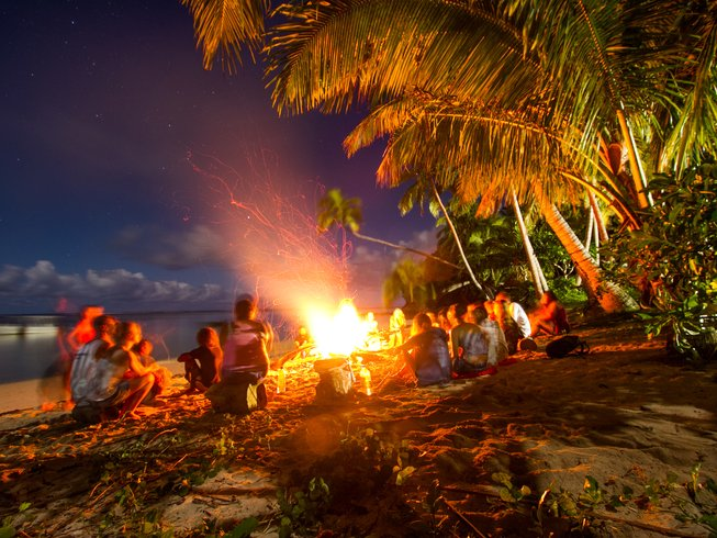 6 Days Yoga, SUP, and Surf Camp in Coral Coast, Fiji