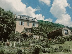 6 Day Gourmet Yoga Holiday in Ambeyrac, Aveyron