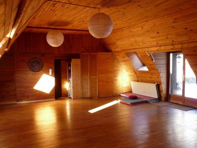 4 jours en stage de yoga Acceuillir le Printemps en Auvergne, France