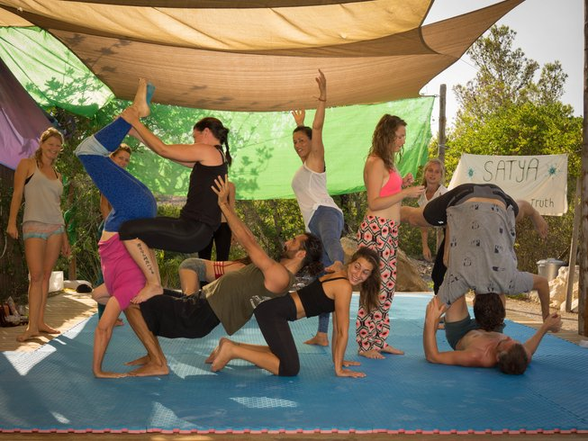 7 Days Acroyoga, Yoga, Water Dance and Movement Retreat in Mazunte, Mexico