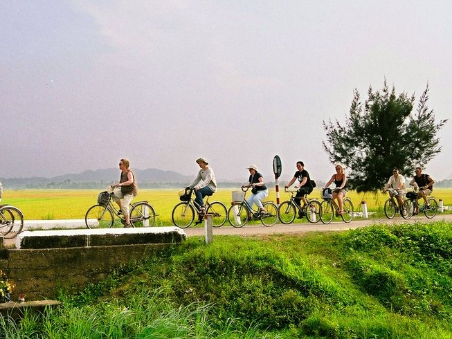 4 Days Vietnam Food Tour and Cycling