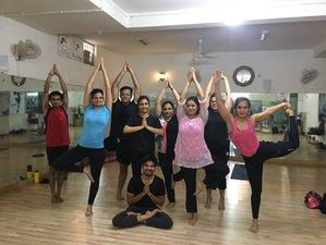 26 Tage 200-Stunden Ashtanga Yogalehrer Ausbildung in Uttar Pradesh, Indien
