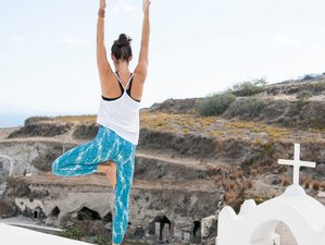 4 Days Long Weekend Yoga Retreat in Santorini, Greece
