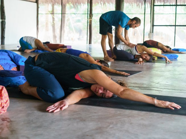 28 Days 200hr Alignment Yoga & Yoga Therapy Teacher Training in Thailand
