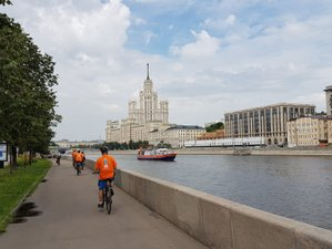 9 Days Moscow to St. Petersburg Cycling Tour in Russia