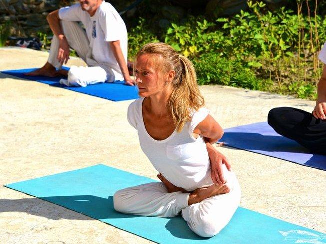 26 Days 200-Hour Yoga Teacher Trainings in India
