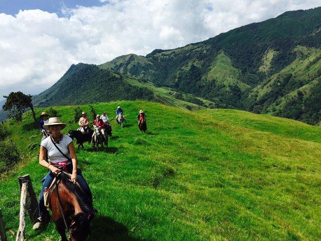 8 días retiro de yoga, viaje a las montañas de Colombia