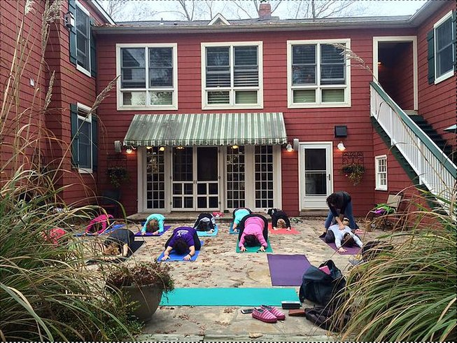 3 Days Fitness and Wine Yoga Retreat in USA