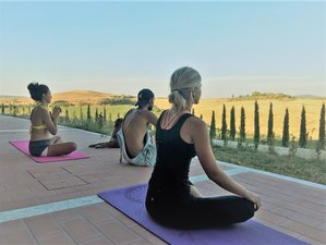 5 Days Amazing Yoga and Delicious Vegetarian Retreat in the middle of Tuscany