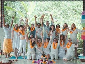 12 Tage 100 Stunden Vinyasa, Hatha, Ashtanga Yoga Lehrerausbildung in Ubud, Bali