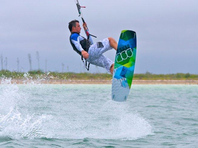 5 Days Exhilirating Kitesurfing Surf Camp Mexico