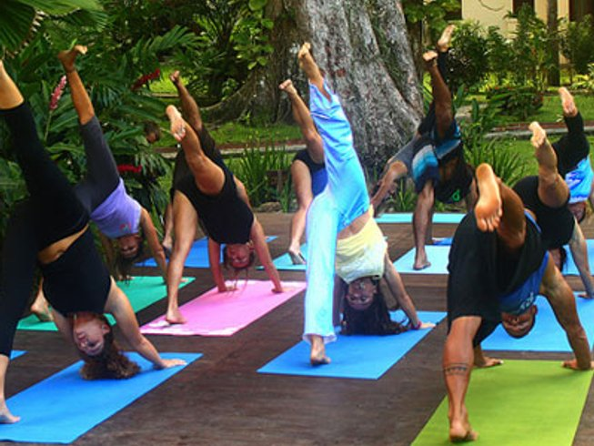 7 Days Luxury Women's Surf & Yoga Retreat in Costa Rica