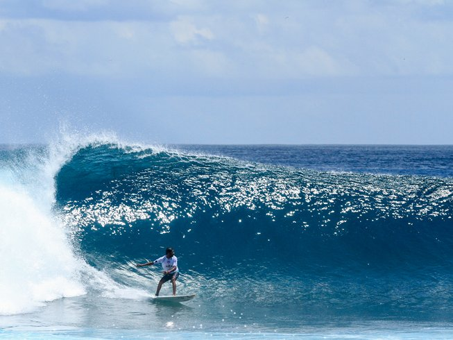 5 Days Invigorating Surf Camp Thulusdhoo, Kaafu Atoll, Maldives
