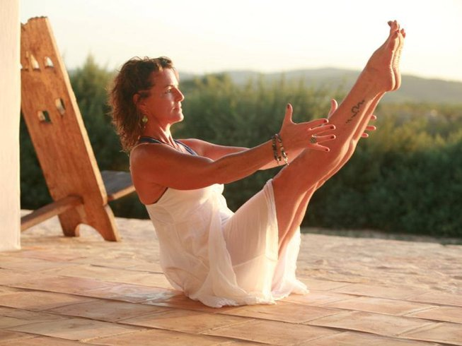 3 Days Weekend Spring Yoga Retreat in UK