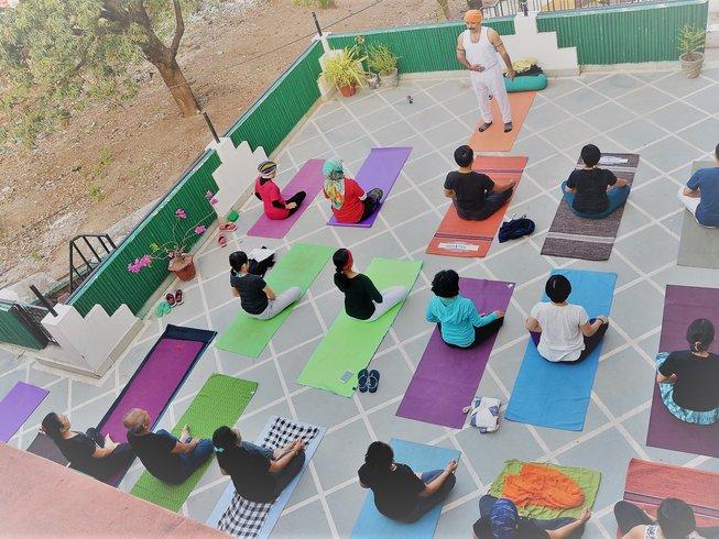 22 Tage Verjüngender Detox, Meditation und Yoga Retreat in Rishikesh, Indien