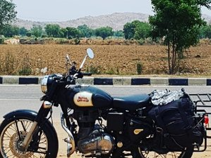 9 Day Rajasthan Guided Motorbike Tour with Delhi and Agra Sightseeing
