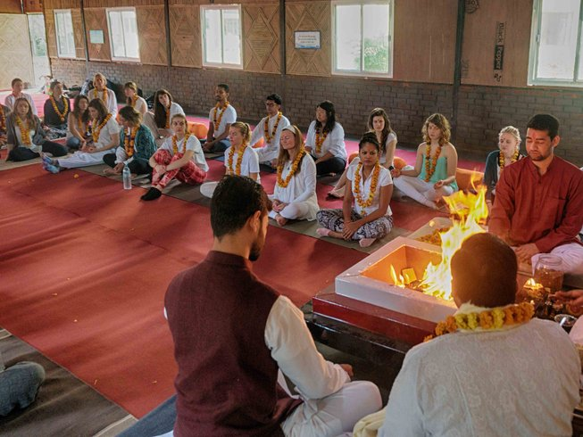 28 Days 200-Hours Yoga Teacher Training In India