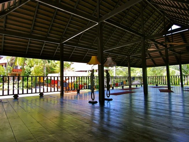 Stage de yoga sur une île en Thaïlande