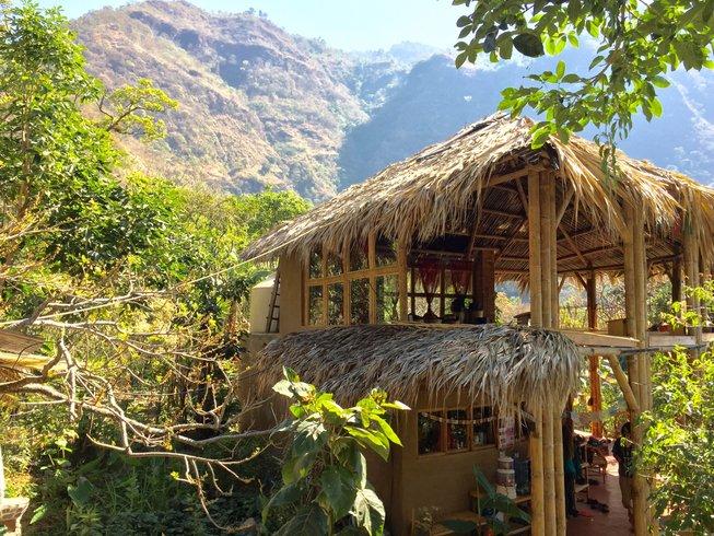 33 jours-200h de formation de professeur d'hatha et module bhakti yoga au lac Atitlan, Guatemala