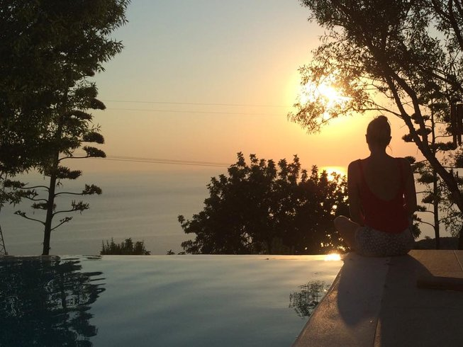 4 Days Syndesis Yoga Retreat in Lefkada, Greece