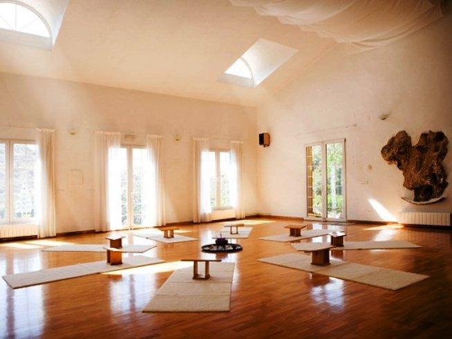 7 Days Refreshing Yoga Retreat in Spain
