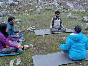6 días de retiro de yoga y transformación del alma con excursiones de bienestar en los Himalayas, India