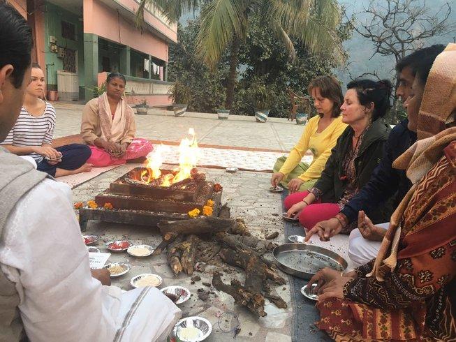 3 Tage Entspannende Meditation und Yoga Retreat in Rishikesh, Indien