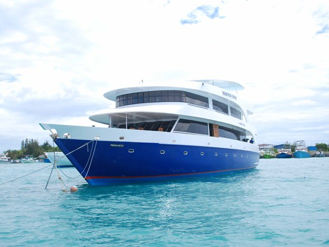 8 Days Yacht Surf and Yoga Retreat in Maldives