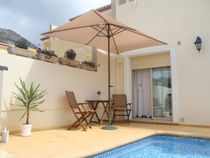 7 Days Personalized Holistic Yoga Detox, Meditation, and Yoga Retreat Alicante, Spain