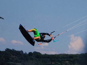 4 Day Kitesurfing in Talamone, Tuscany