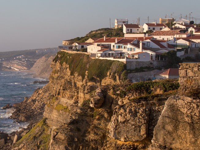 7 Days Thrilling and Relaxing Surfcamp in Portugal