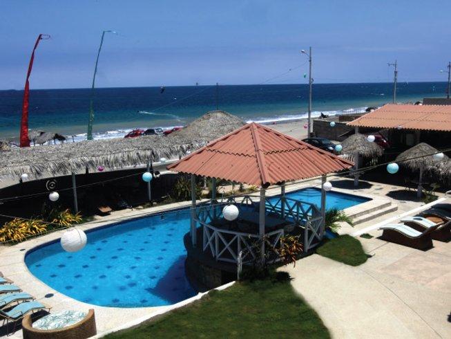 6 Days Kitesurfing Surf Camp in Manabi, Ecuador