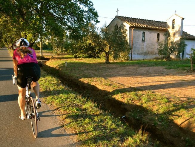 8 Days Co Ed Cycling and Yoga Retreat in Tuscany, Italy