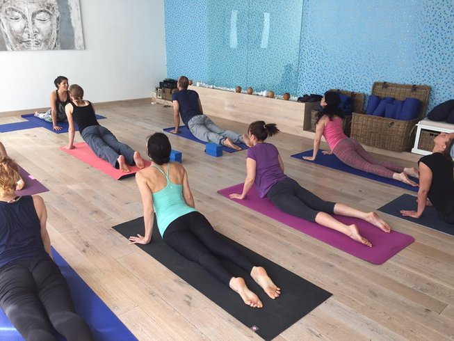 5 days food and wine yoga retreat in castro marim for Yoga and wine retreat