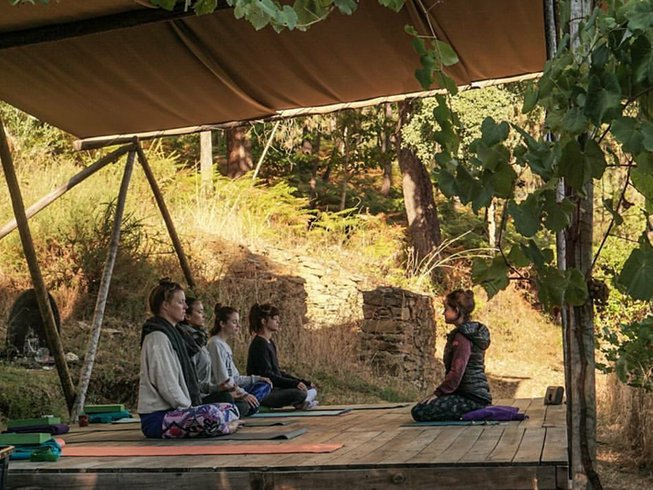 7 Days Yoga and Yurt Glamping Retreat in Portugal
