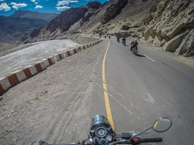 15 Days Himalayan Motorcycle Tours in India