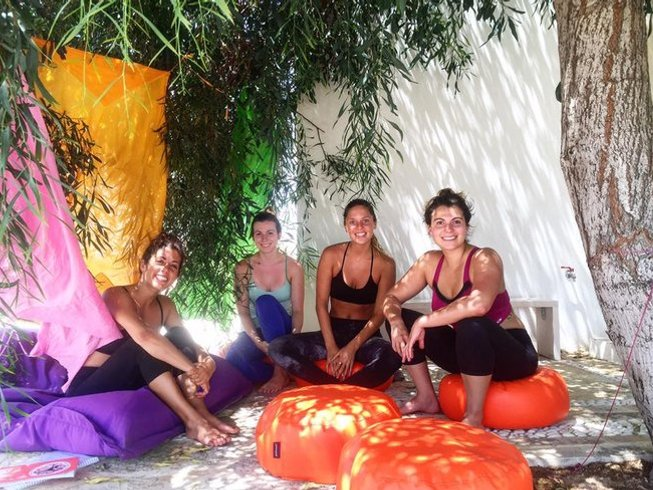 13 jours-100h de formation intégrale de professeur de yoga à Paros, Grèce