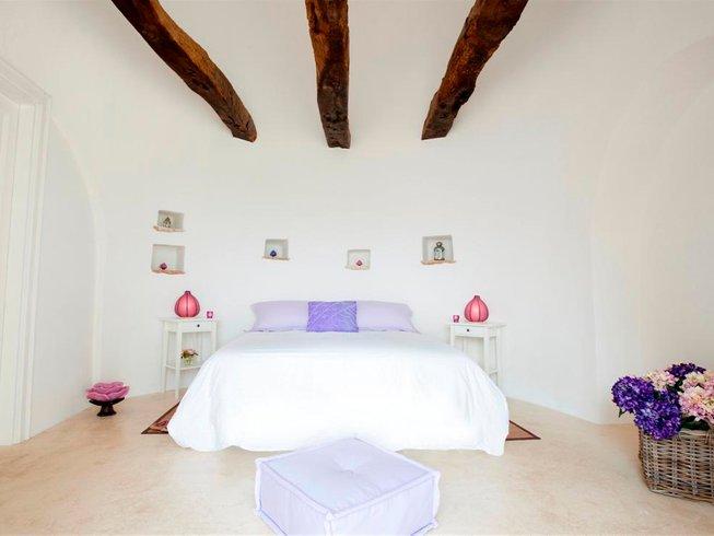 8 Days Embracing Shakti Women's Yoga Retreat in Puglia, Italy