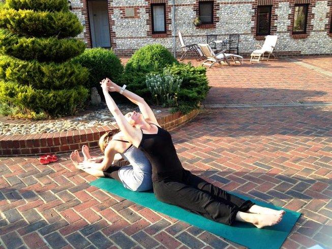 3 Days Luxury Weekend Meditation and Yoga Retreat in UK