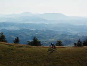 8 Day Meditation and Yoga Retreat with Mountain Biking in Frontino, Le Marche