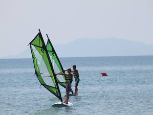 3 Day Refreshing Windsurfing Basic Course in Mobile Home in Tuscany