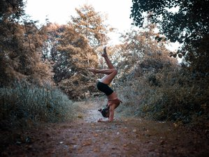 6 Day Illuminate and Soar: Chakra Balancing Yoga and Hypnotherapy Retreat in Seignosse