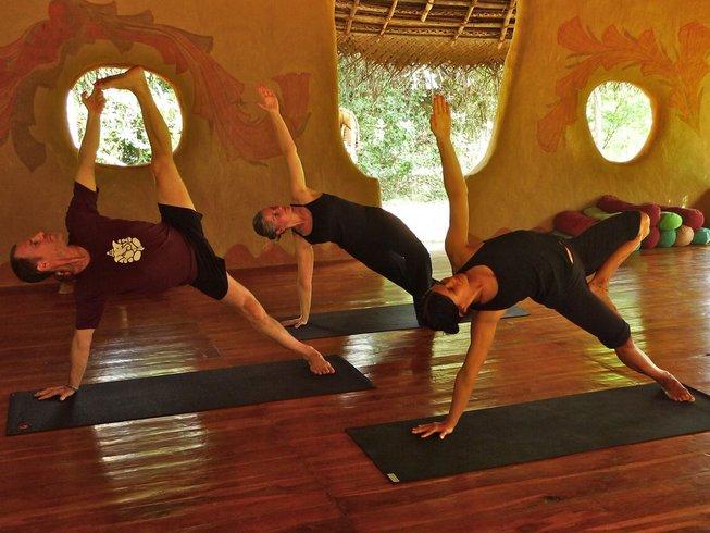 15 días retiro de yoga Vinyasa en Dambulla, Sri Lanka
