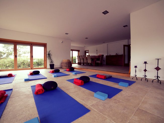 7 Days Refreshing Surf and Yoga Retreat in Sintra, Portugal