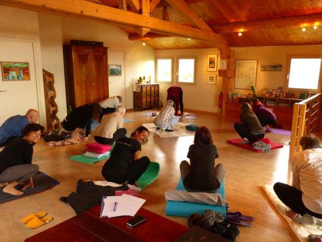 3 jours en stage de yoga tibétain Kum Nye et marche dans les Cévennes, France