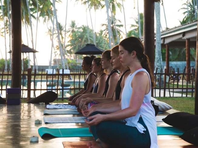 7 Days Girls Surf and Yoga Retreat in Indonesia