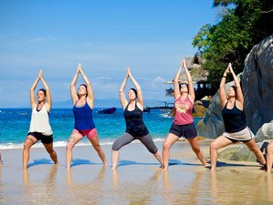 8 Days SUP, Surf, and Savasana Yoga Retreat in Sayulita, Mexico
