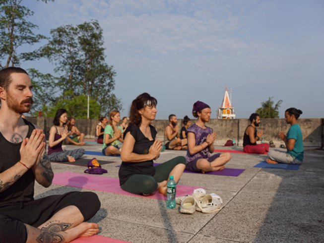 28 jours-200h en formation de professeur de yoga vinyasa à Rishikesh, Inde