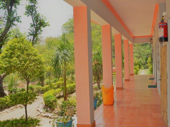 15 Tage 100-Stunden Pranayama Lehrer Ausbildung und Yoga Retreat in Rishikesh, Indien
